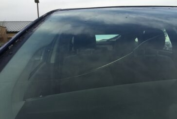 6 Tips To Stop Your Cracked Windscreen Getting Worse